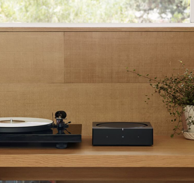 SONOS AMP by record player